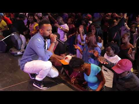 Travis Greene Flowing in Worship, Prophetic and Healing at TrueWorshippers DMV Conf 2017