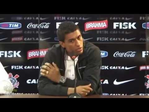 Paulinho sai do Corinthians
