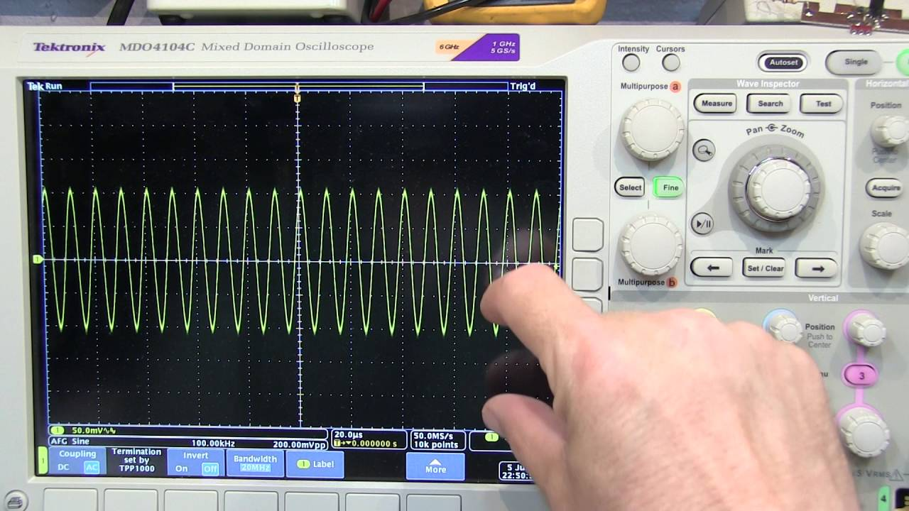 238 Oscilloscope Vertical Position And Offset Explained Youtube Ac Coupling Voltage In Amplifier