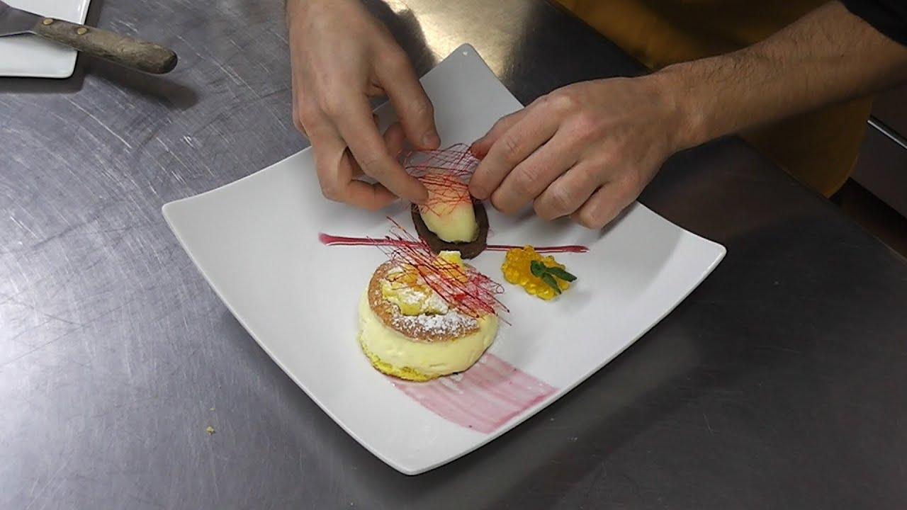 Tortino mimosa con gelato all 39 ananas e biscuit al cacao for Decorazioni piatti