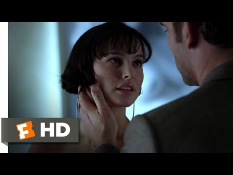 Closer (2/8) Movie CLIP - Anna's Photo Exhibition (2004) HD