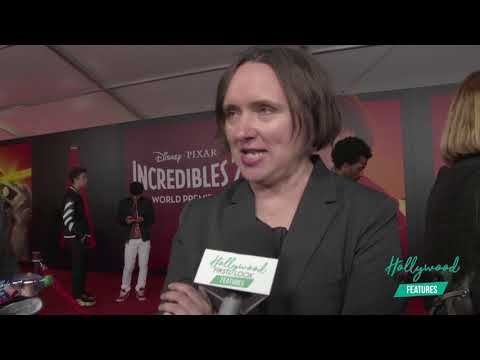 INCREDIBLES 2 PREMIERE - Interviews with HOLLY HUNTER, SAMUEL L. JACKSON & the rest of the CAST