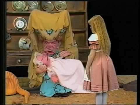 Alice in Wonderland (1985, Anglia Television) -- Episode 3