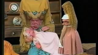 Alice in Wonderland (1985, Anglia Television) -- Episode 3