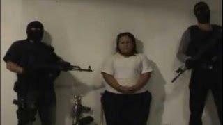 Repeat youtube video Sicarios Armados Interrogan y Ejecutan a Mujer Extorsionadora En Ciudad Juarez