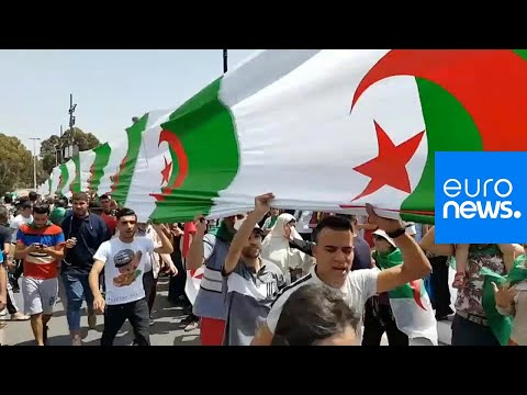 الجزائر: ارتياح واضح في صفوف المتظاهرين لمحاسبة المسؤولين الكبار في الجمعة الـ 17…  - 19:53-2019 / 6 / 14