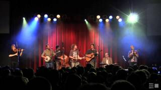 "Steep Canyon Rangers feat. Sam Bush - ""Roll On Buddy, Roll On"" [OFFICIAL] - live in Asheville, NC"