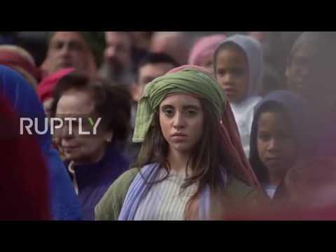 UK: 'Passion of Jesus' crucifixion pulls thousands to Trafalgar Square