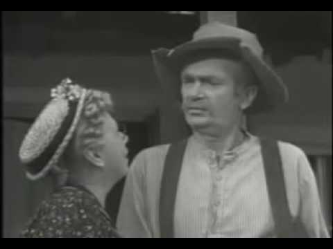 The Beverly Hillbillies ~ The Clampets Strike Oil ~ Season 1, Episode 1