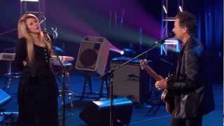 lindsey-stevie-say-goodbye-live-05-