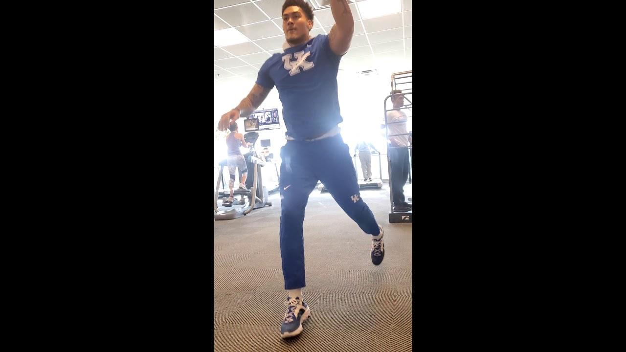 Kentucky Wildcats Football TE offseason workout Keaton ...