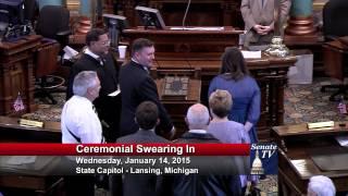 Senator Phil Pavlov takes his Oath of Office in the 98th Legislature.