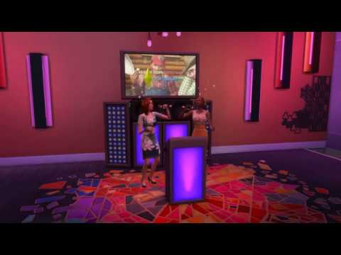 The Sims 4 City Living - Singing karaoke