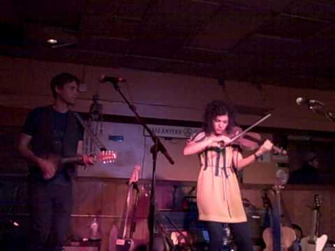 Carrie Rodriguez--Elzick's Farewell