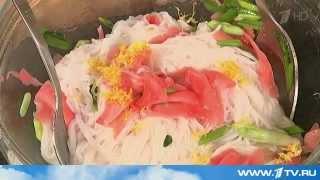 Салат с копченым лососем и маринованным имбирем от Ольги Баклановой (Вся Соль)