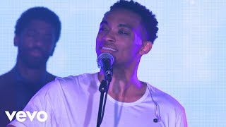 Jonathan McReynolds - God Iṡ Good (Live)