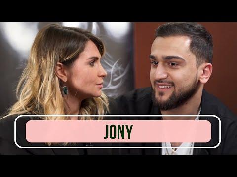 JONY - О девушках, концертах и деньгах. Большое интервью / Караоке в машине