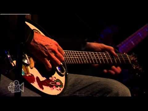 Harry Manx - Dande (featuring Yeshe) (Live In Sydney) | Moshcam