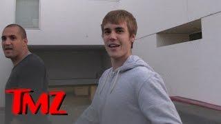 Justin Bieber's Pissed, Makes Fun of Paparazzo's Face | TMZ