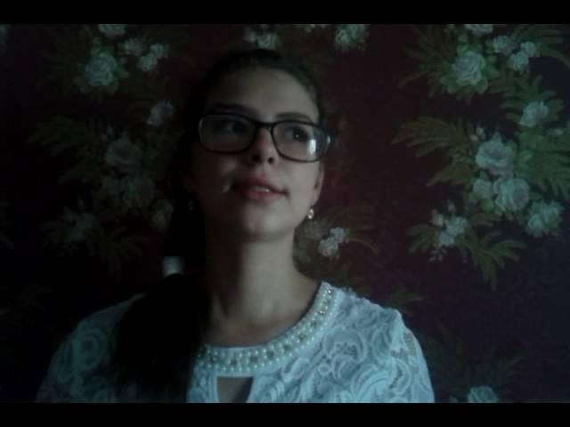Изображение предпросмотра прочтения – МарияЛогинова читает произведение «Шумели листья, облетая…» И.А.Бунина