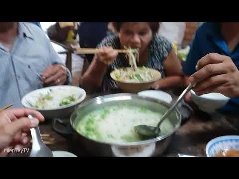 Cả Nha ăn Hủ Tiếu Bo Kho Va Che Bưởi Miền Tay Tv Youtube