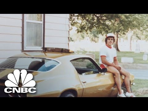 The 'World's Fastest Pizza Delivery Vehicle' | Jay Leno's Garage | CNBC Prime