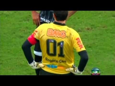 Keeper Rogerio Ceni scores 100 goals