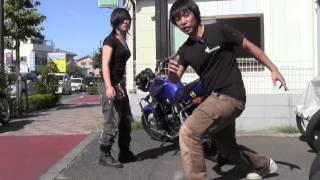 19歳の大型ライダー!小柄女子でもバイクは起こせる!(153cm)