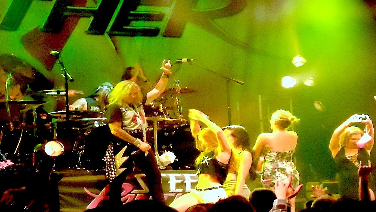 steel panther with gus g crazy train cover ozzy osbourne guitar player hob sunset 07 22. Black Bedroom Furniture Sets. Home Design Ideas