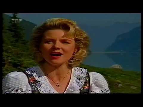 Alpenländische Volksmusik  Angela Wiedl