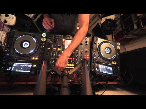 BEGINNER DJ LESSON ON HOW TO MIX IF YOU CANT MIX
