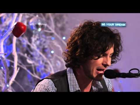 Joshua na die reën – Hardloop in die veld in Acoustic Performance