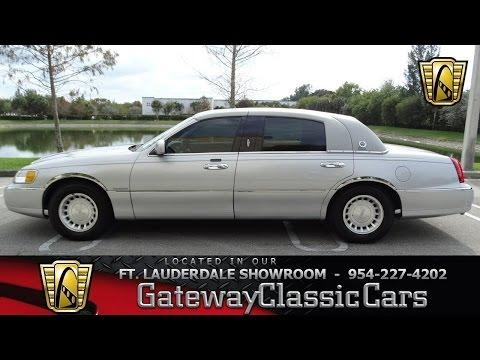 422-FTL 2001 Lincoln Town Car Executive L