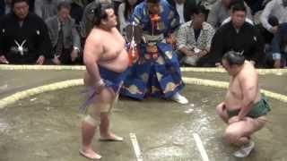 20130512 大相撲夏場所初日 琴将菊vs北太樹.