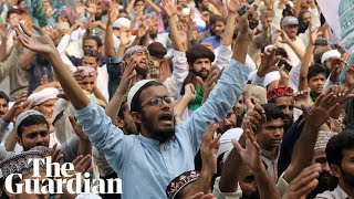 Asia Bibi: protests erupt in Pakistan after blasphemy conviction overturned
