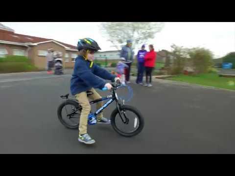 Active school travel programme | Encouraging children to walk, scoot or cycle to school
