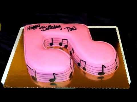 Music note cake ! A cake cut into a note using fondant ! Please check me out on FB as jjsweettooth