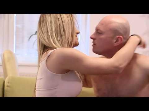 RODINNÉ PRÍPADY - Exfarmárka rozbieha hereckú kariéru: Vášnivé scény na gauči! from YouTube · Duration:  1 minutes 22 seconds