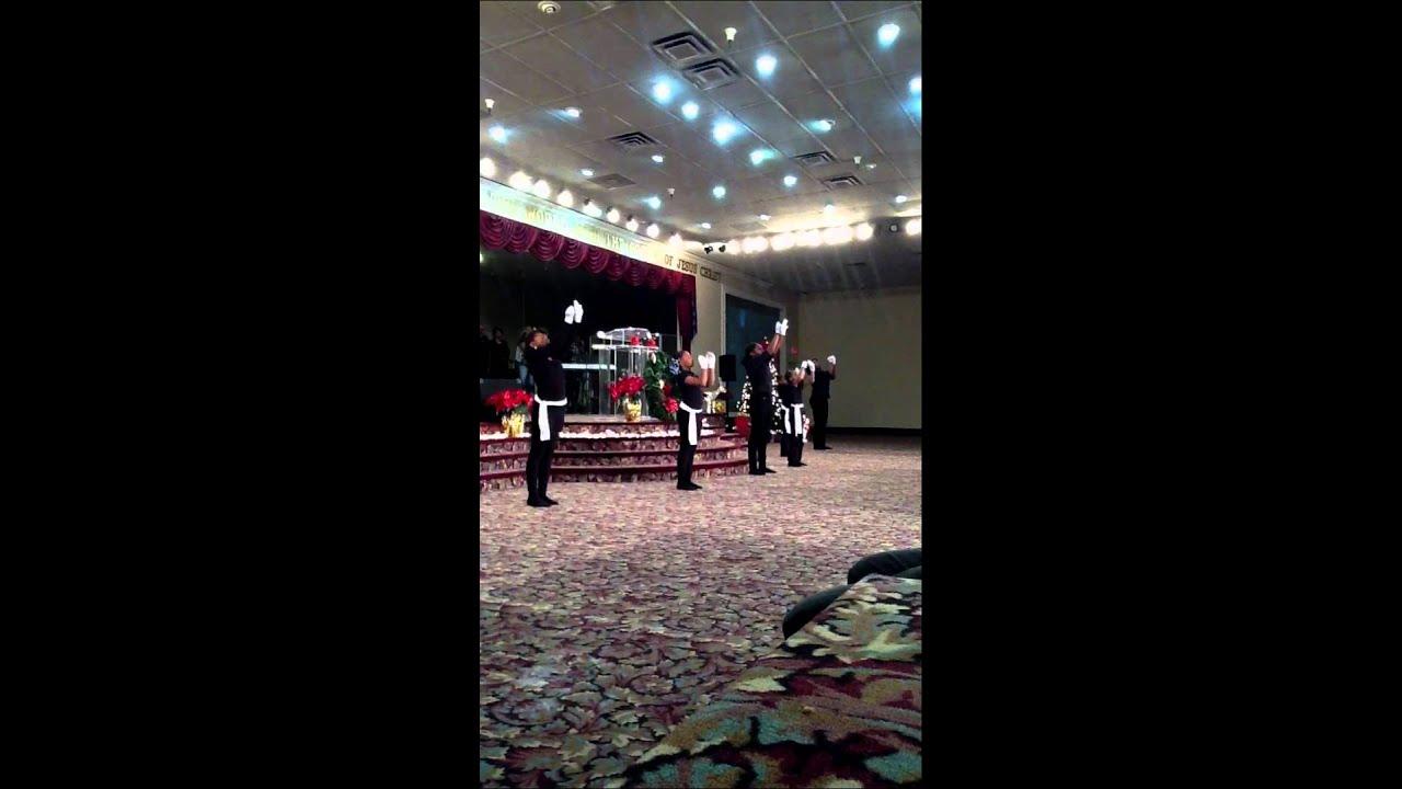 Azusa Youth Performs To VaShawn Mitchell Singing Nobody