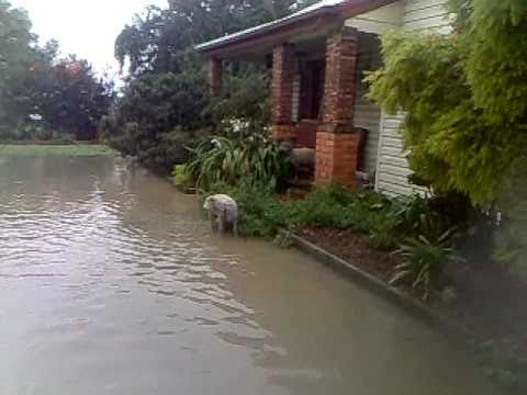 Flash Flood 2011 Melbourne ( Pakenham / Victoria )
