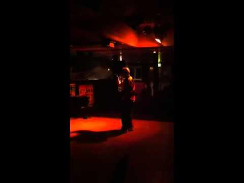 Woody Does Karaoke