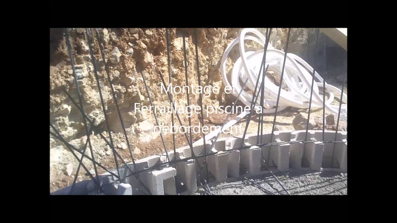 Construction piscine d bordement youtube for Construction piscine desjoyaux youtube