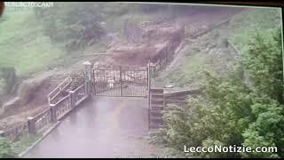 LECCONOTIZIE  - Premana. L'onda di fango scende verso valle