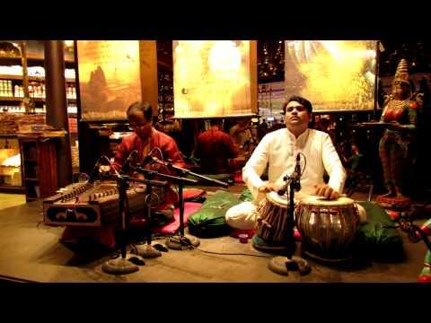 Indian music - New Delhi Airport