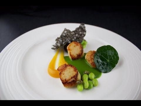 Plating Food #58 | Scallops, orange, parsley, caper, edamame, tapioca squid ink, walnut