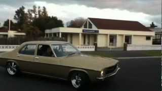 HQ holden 1972 308 4 speed  cold tune run with headders