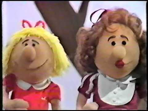 Miss Peach of the Kelly School  The Annual Kelly School HeartThrob Ball 1982