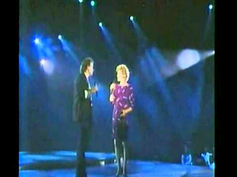 Anne Murray & DAVE Loggins-Nobody Loves Me Like You Do