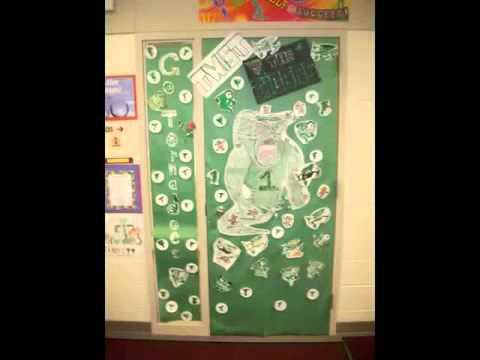 Storm lake Middle School Door Decorating Contest