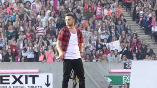 11. One Direction - Happily + Zayn mistakenly thanking Manchester in Edinburgh - 3rd June 2014